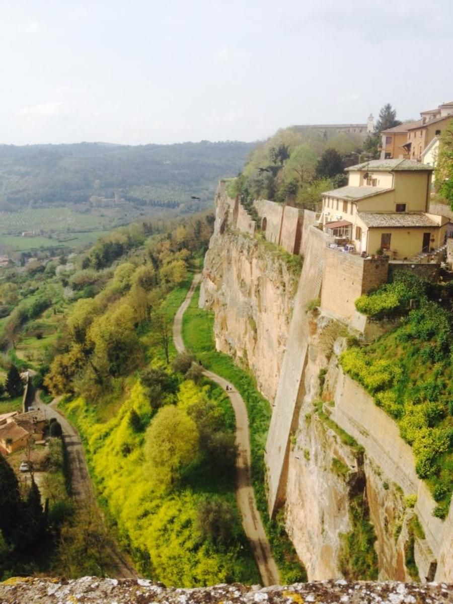 The view of the steep city cliffs.