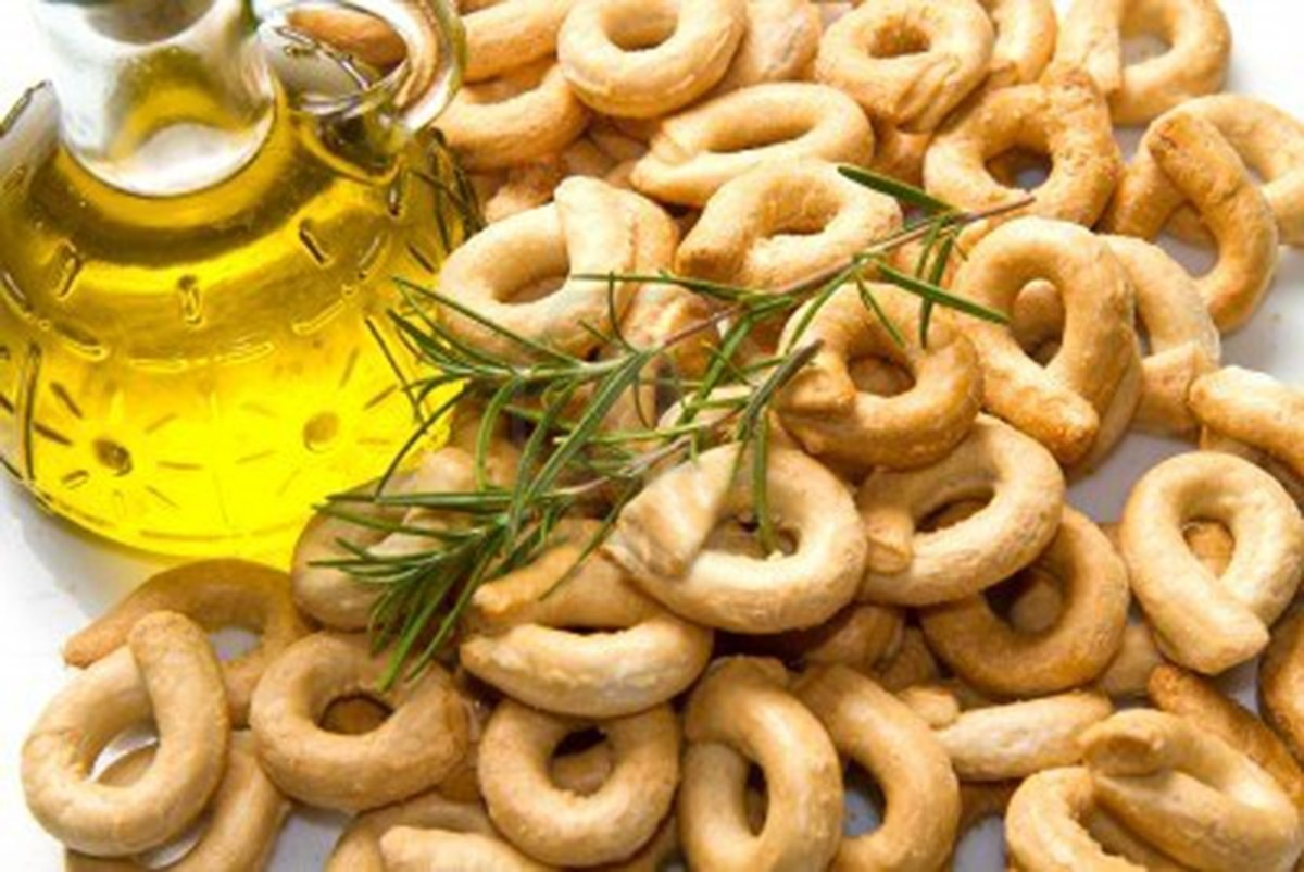 Tarallini are a popular snack cracker in Italy.
