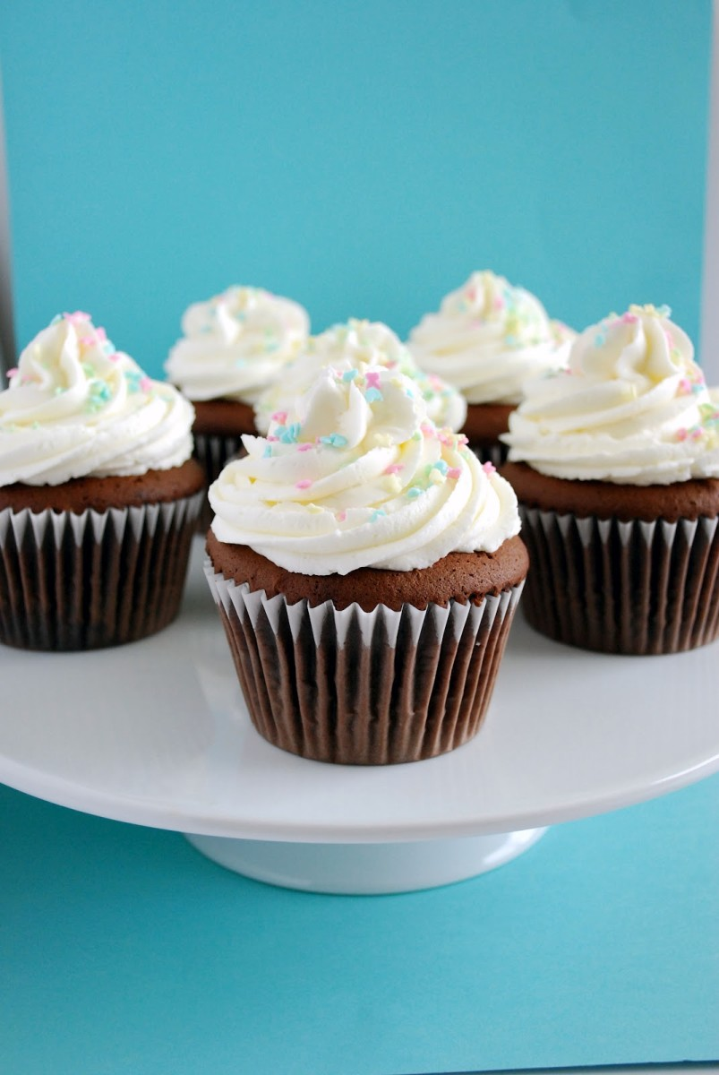 8 Easy, Healthy Muffin and Cupcake Recipes for Any Occasion