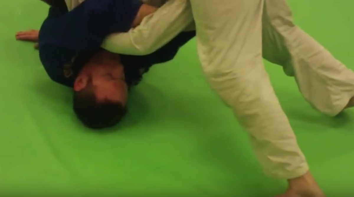 Countering the Spinning Armbar From the Bottom With a Kimura (a BJJ Tutorial)