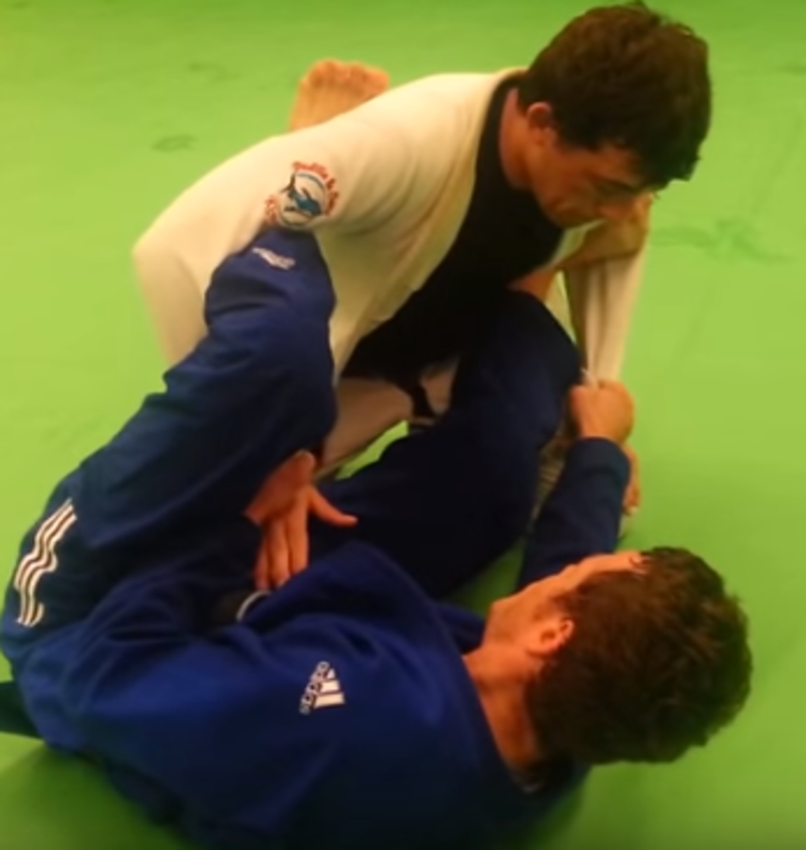 Lasso Guard BJJ Tutorial:  Setting Up Triangles and Omoplatas