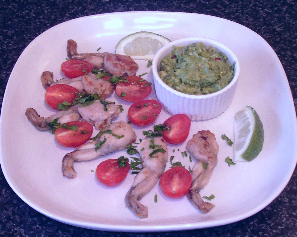 Fajitas spiced frogs' legs with guacamole dip