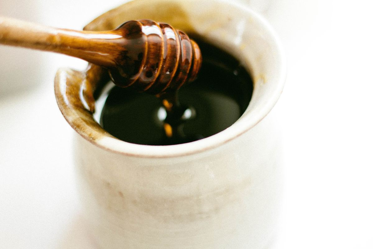 Honey is a natural remedy that can help relieve and reduce canker sores.