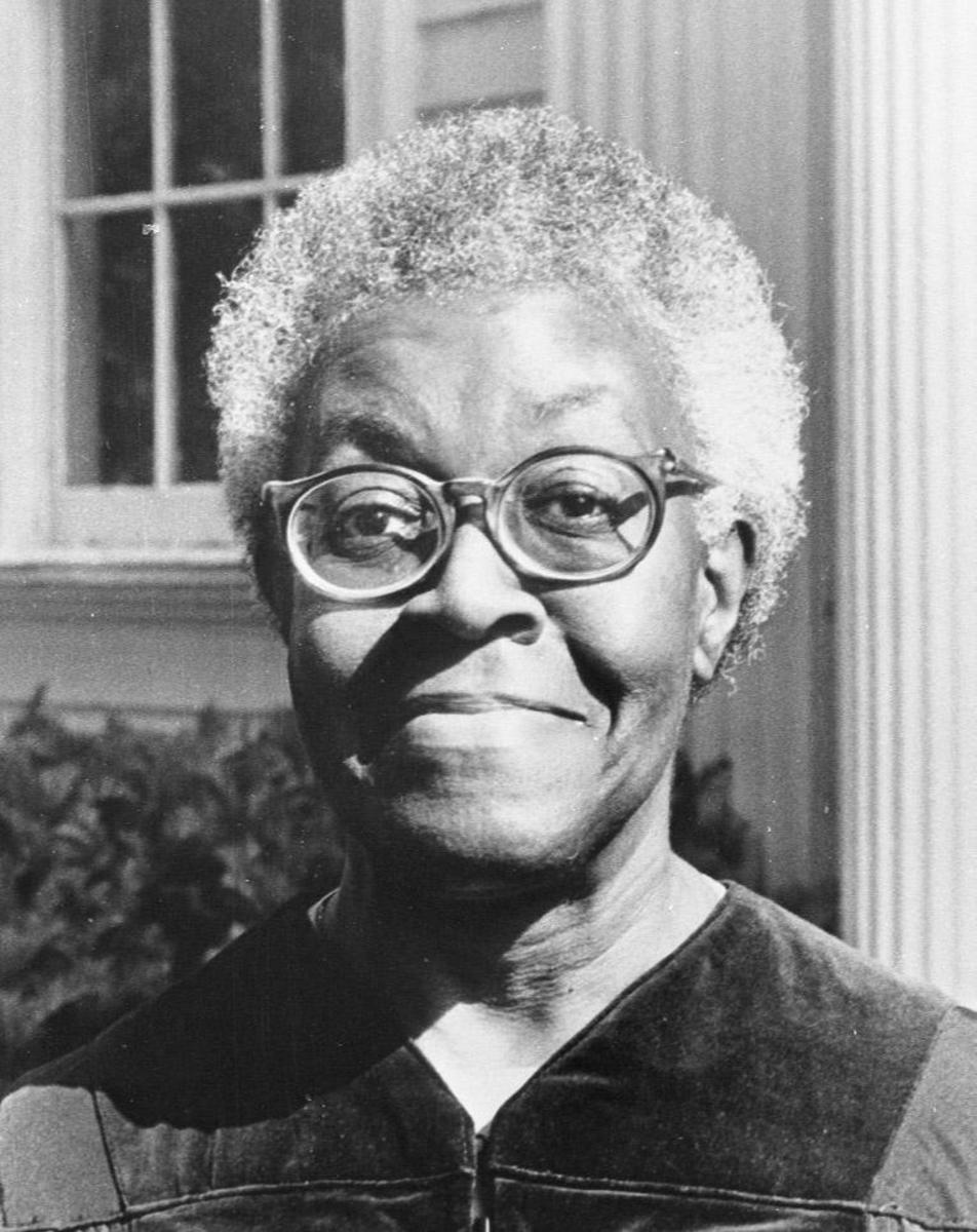 "Gwendolyn Brooks' ""a song in the front yard"""