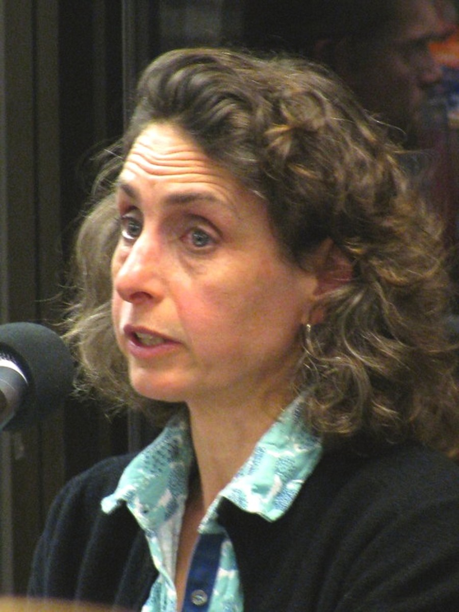 Elizabeth Kolbert at a reading.  Phote by slow king, courtesy Wikimedia Commons.