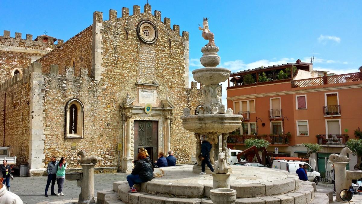 Duomo di Taormina - just one of the beautiful piazzas along Corso Umberto in Taormina