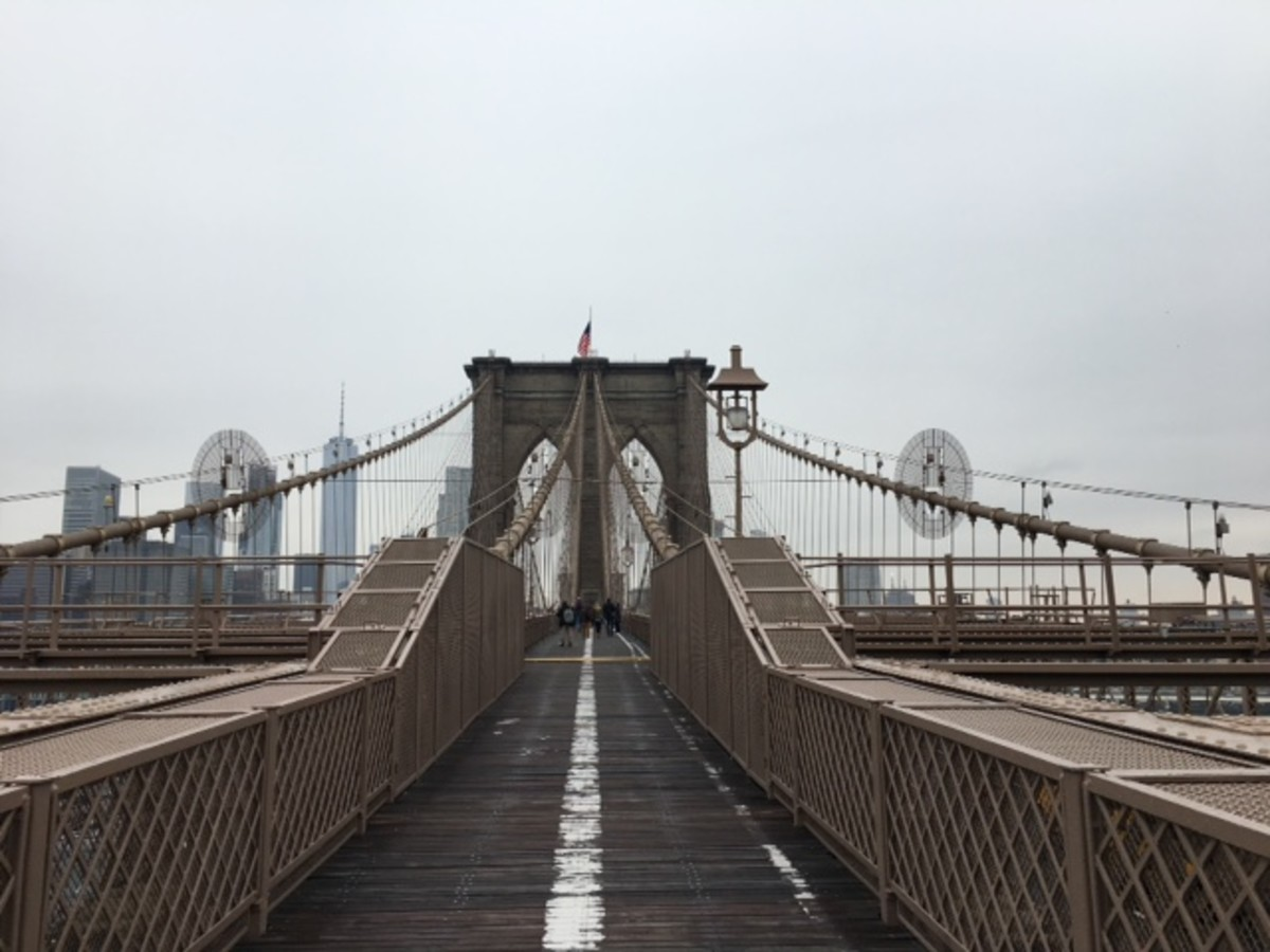 There are many things to do near the Brooklyn Bridge after you have walked across.