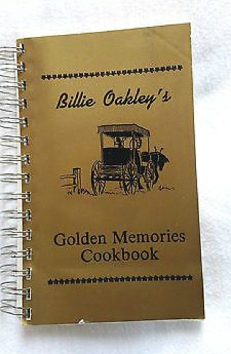 """The cover of the """"Golden Memories Cookbook,"""" a book of Midwest country recipes."""
