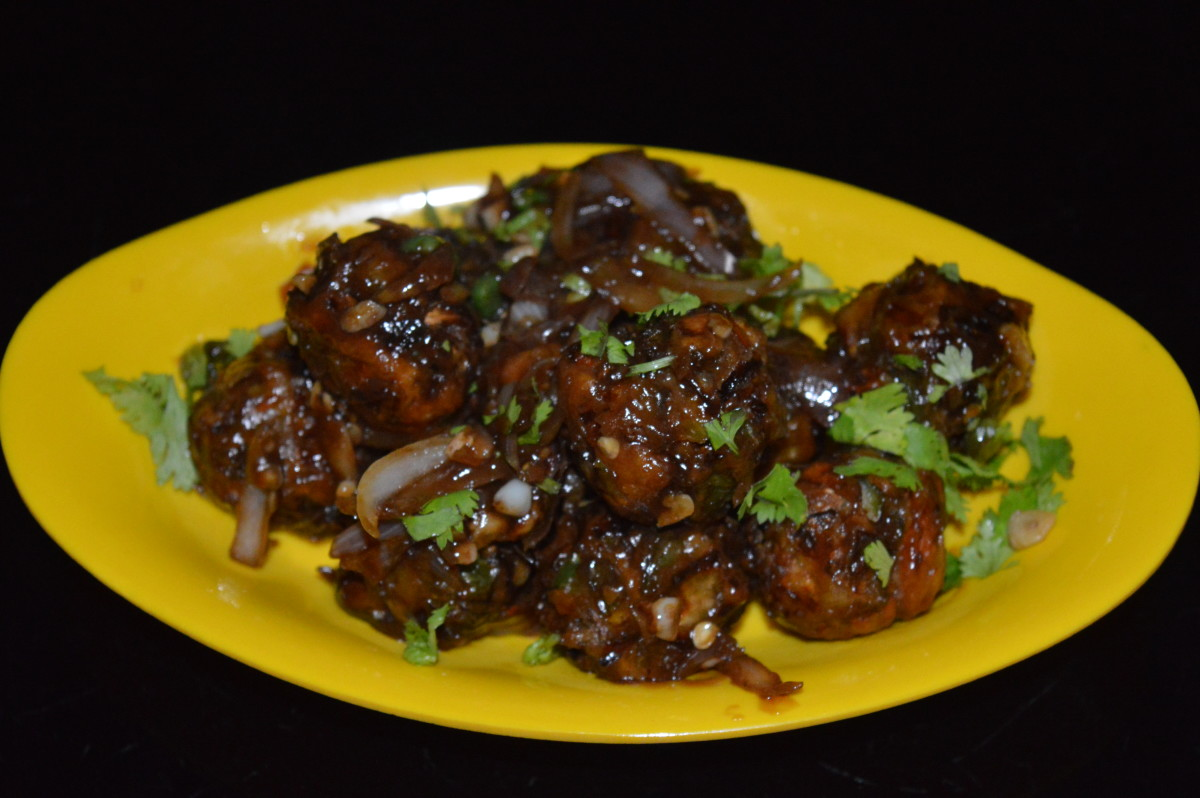 Mixed vegetable Manchurian incorporates many vegetables and is very nutritious.