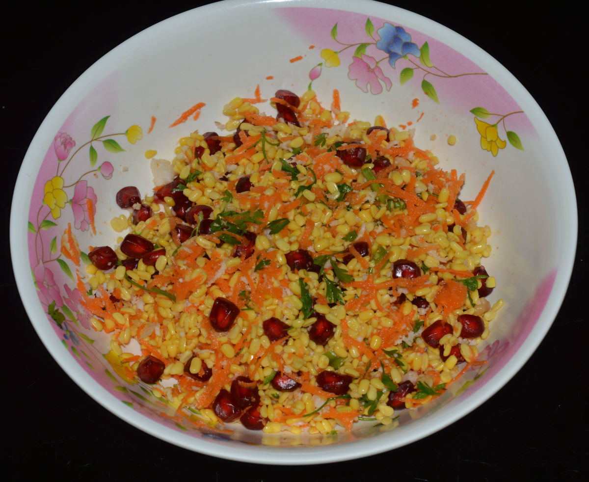 Salad Recipes: Green gram(Mung bean)  split and Pomegranate Salad