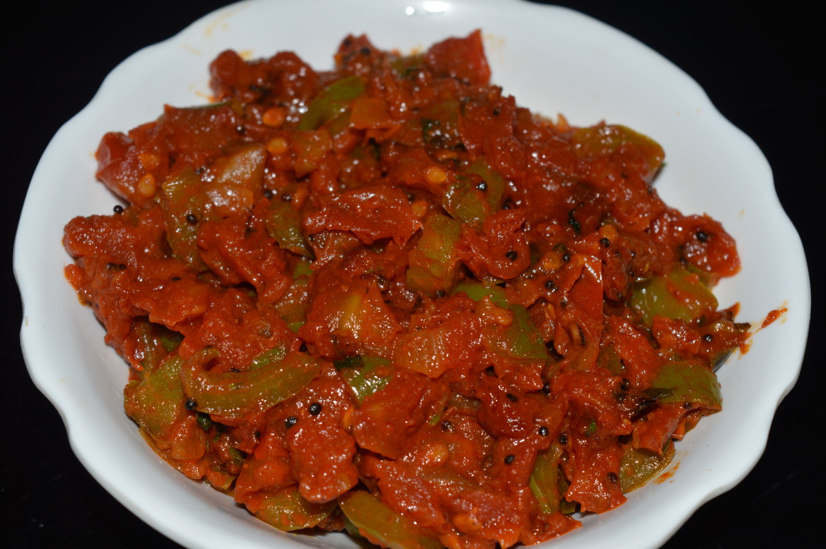 Tomato and capsicum curry.
