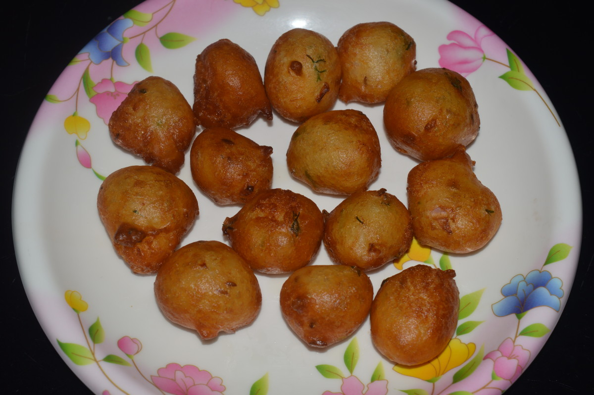 How to Make Fried Mangalore Bonda or Goli Baje Fritters