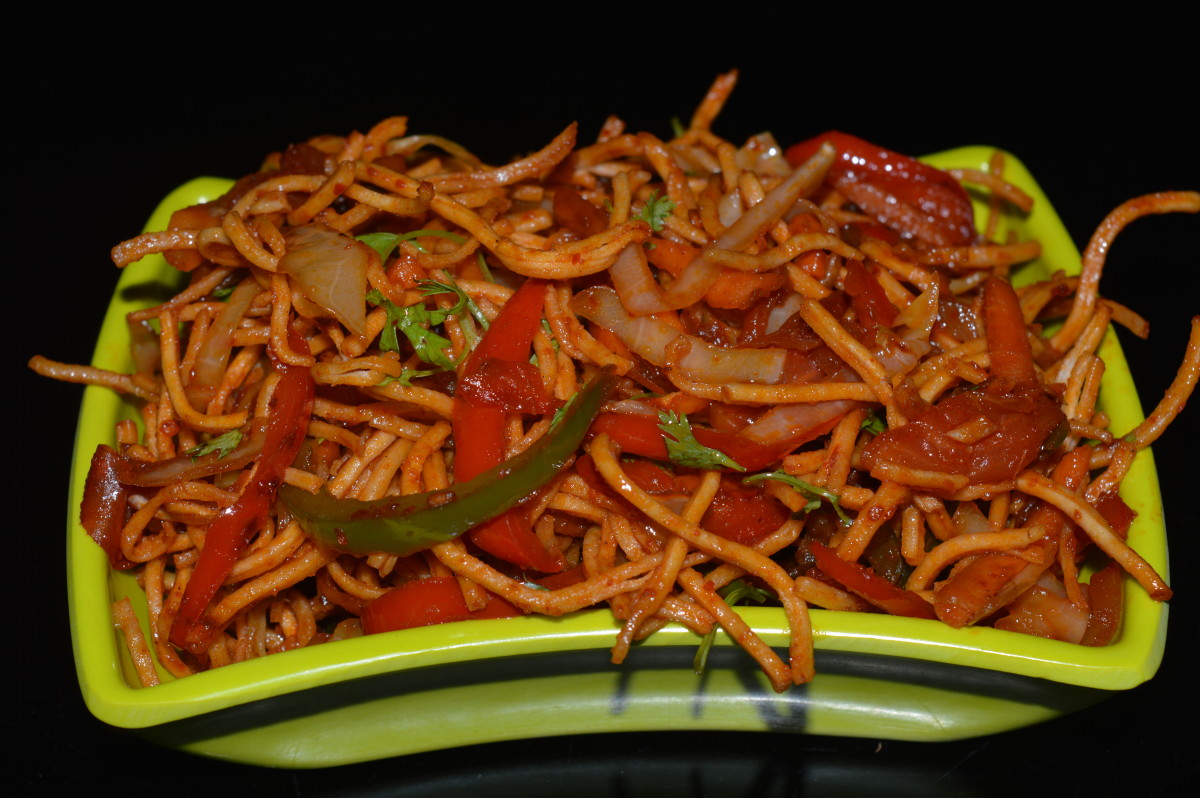 Chinese Bhel: fried noodles with sauteed veggies.