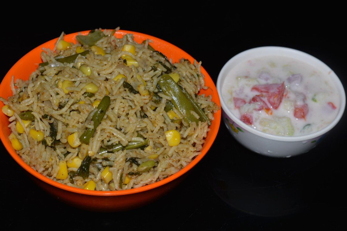 This article will show you how to make delicious corn pulao, shown here with cucumber raita.