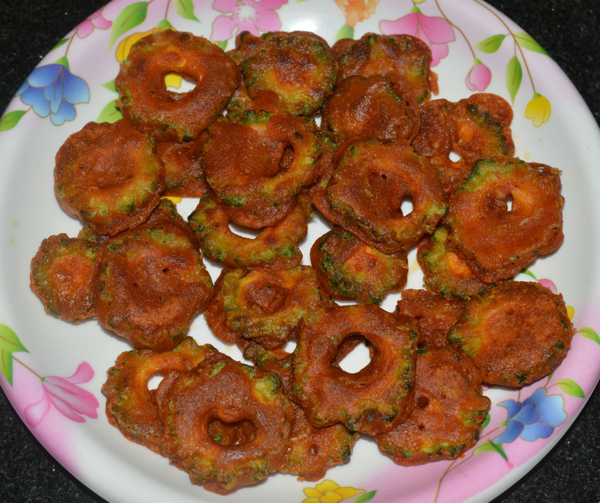 Crispy Bitter Gourd Fries or Hagalakai Pakora Recipe