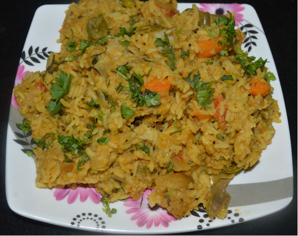 Spicy vegetable khichdi with rice and lentils