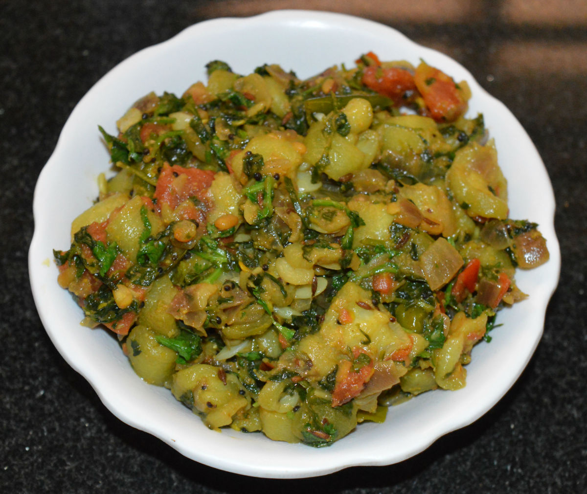 The completed ridge gourd (turai) and fenugreek leaf (methi) curry.