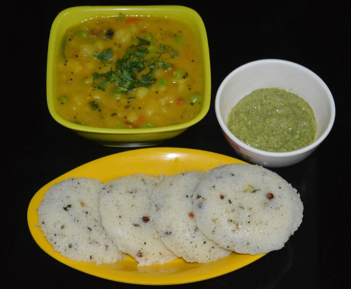 A Guide to Making Soft Rava Idli or Semolina Dumplings
