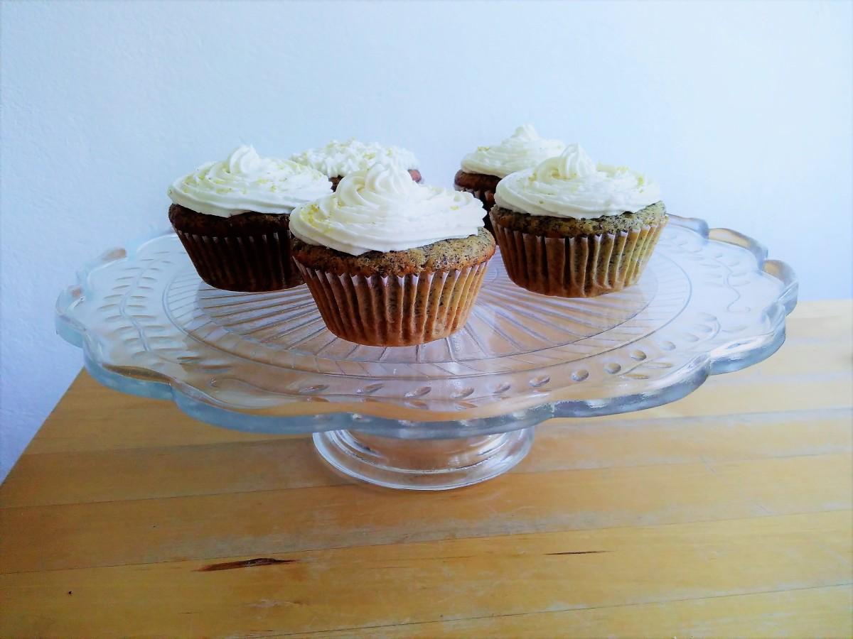Vegan Lemon Poppy Seed Cupcakes