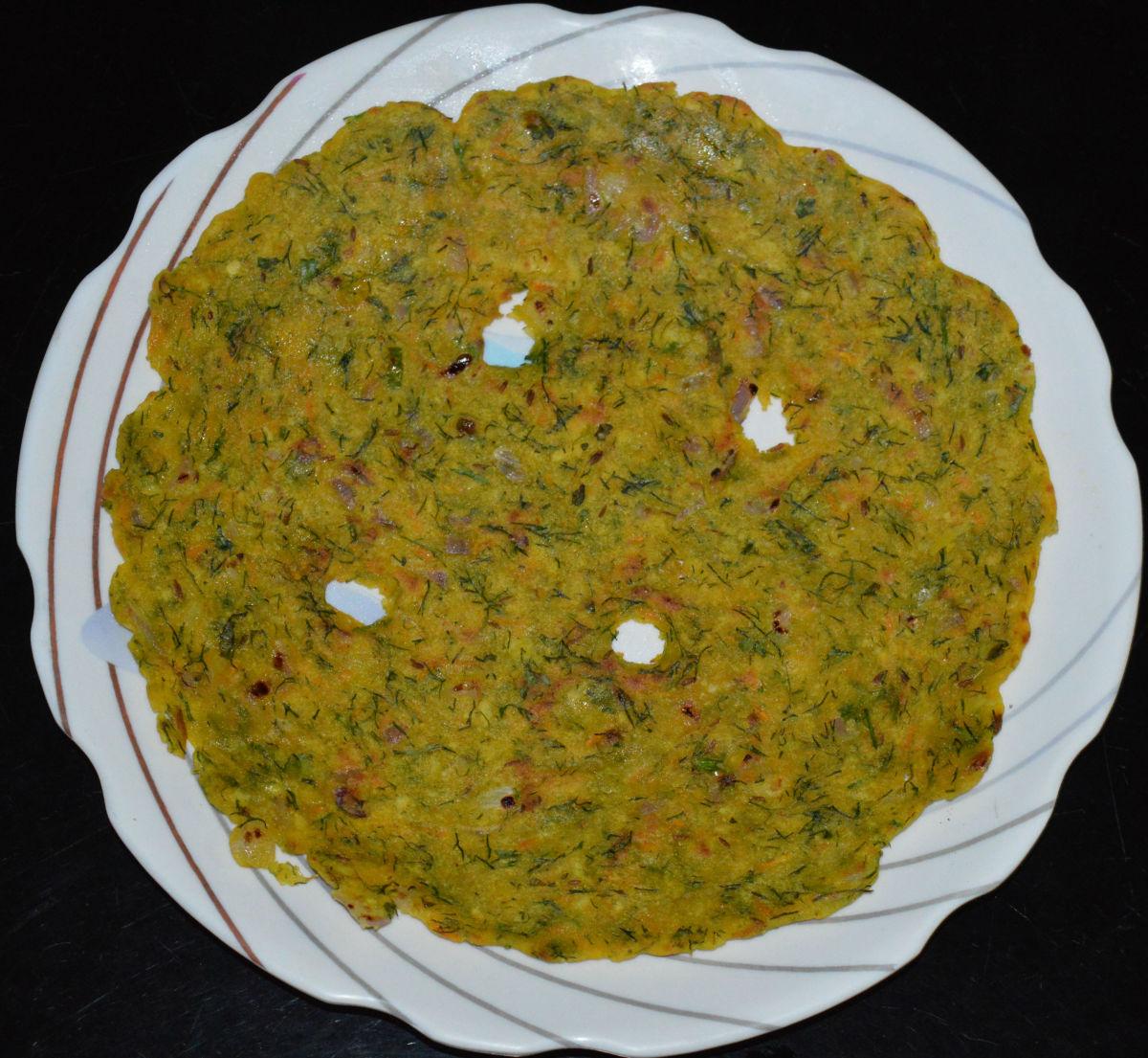 Masala akki rotti (masala rice roti).