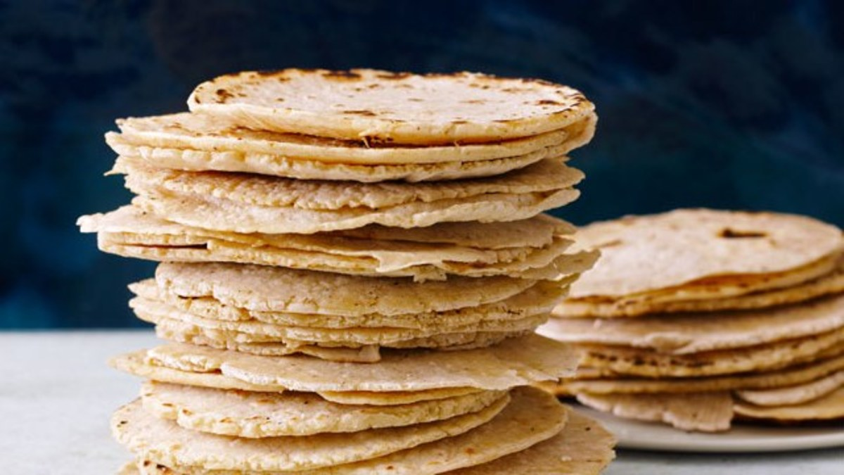 Do you know the best way to warm up corn tortillas?