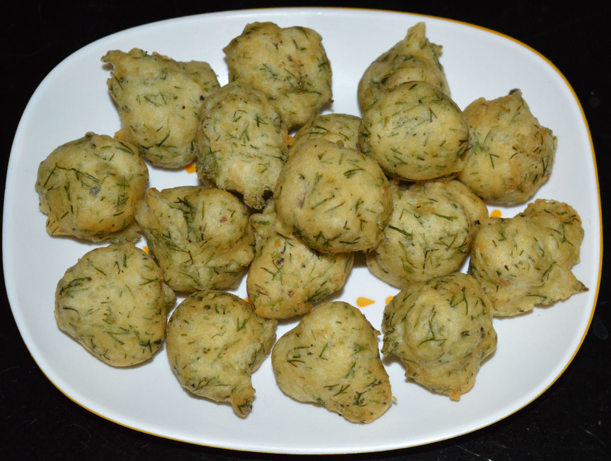 Urad Dal and Dill Leaf Pakora (Fritters).