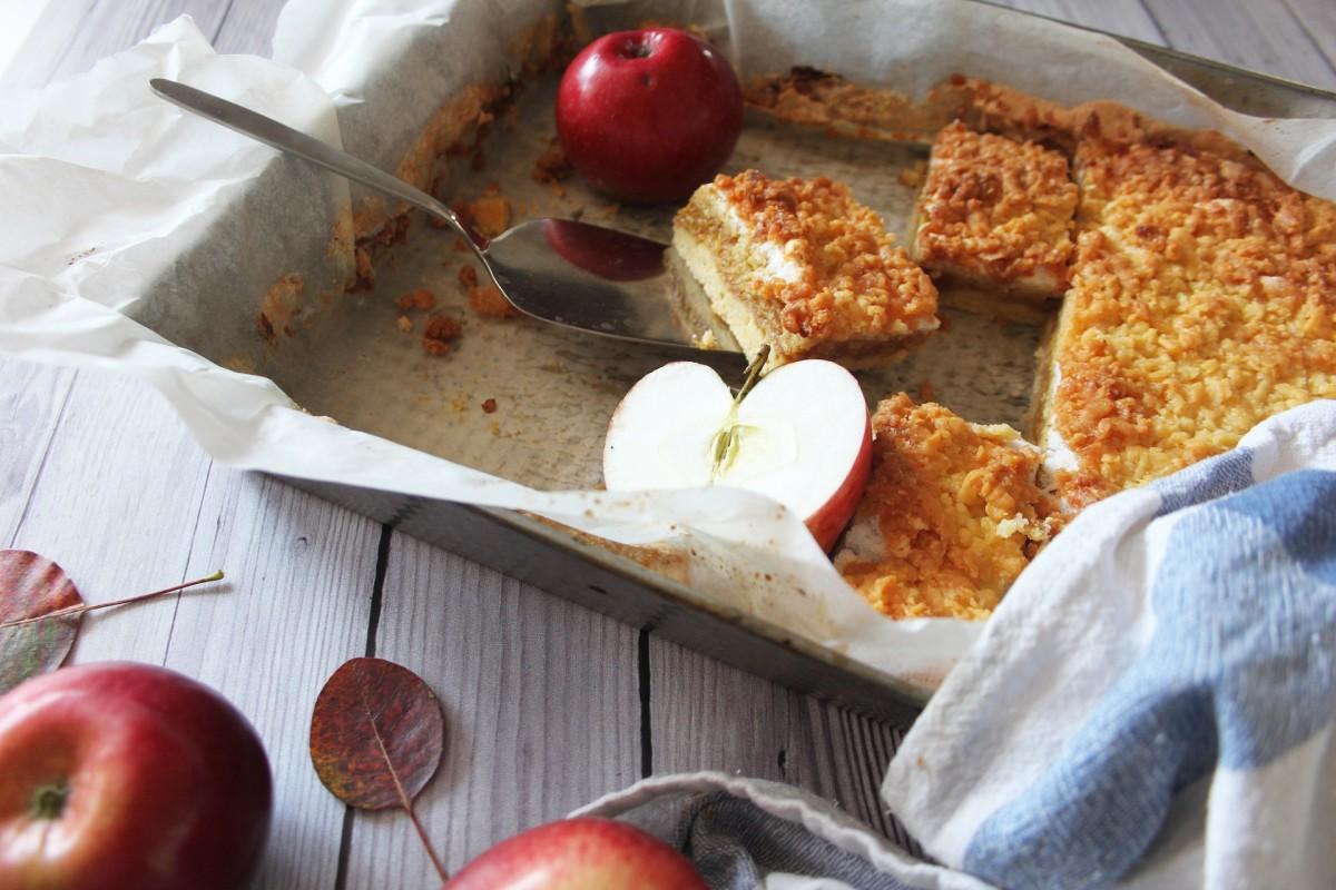 12 Amazing Slab Pie Recipes (Both Sweet and Savory)