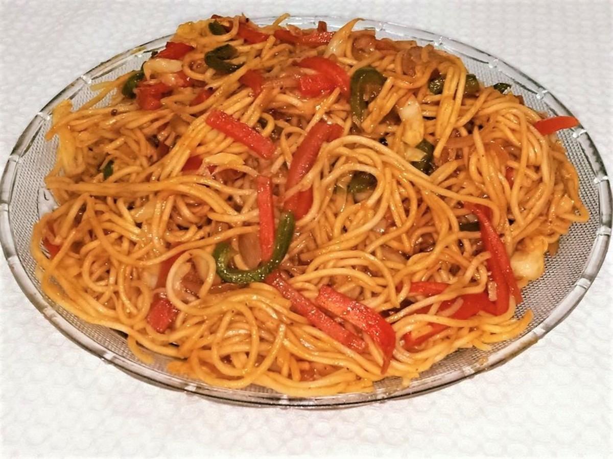 Ching's Secret Veg Hakka Noodles Recipe for Beginners