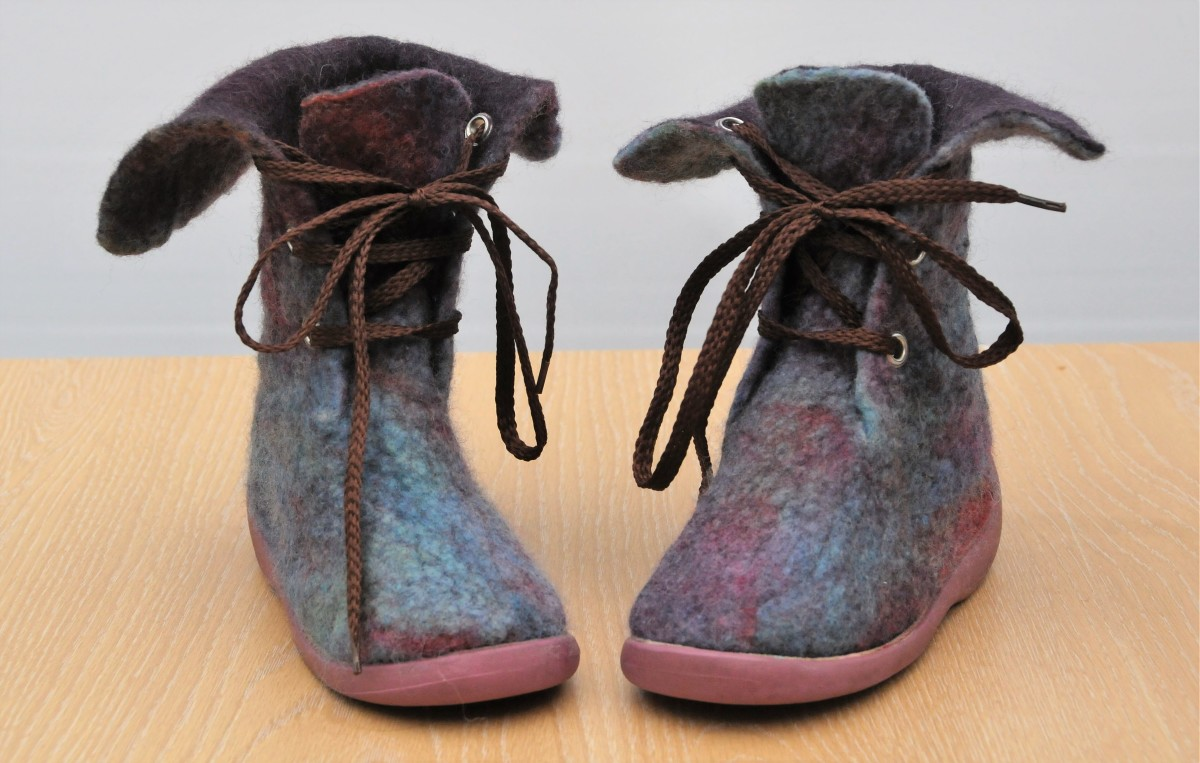 How to Make Wet Felted Boots for Children