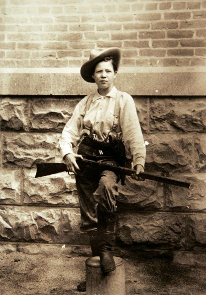 10 Notorious Female Outlaws From the Wild West