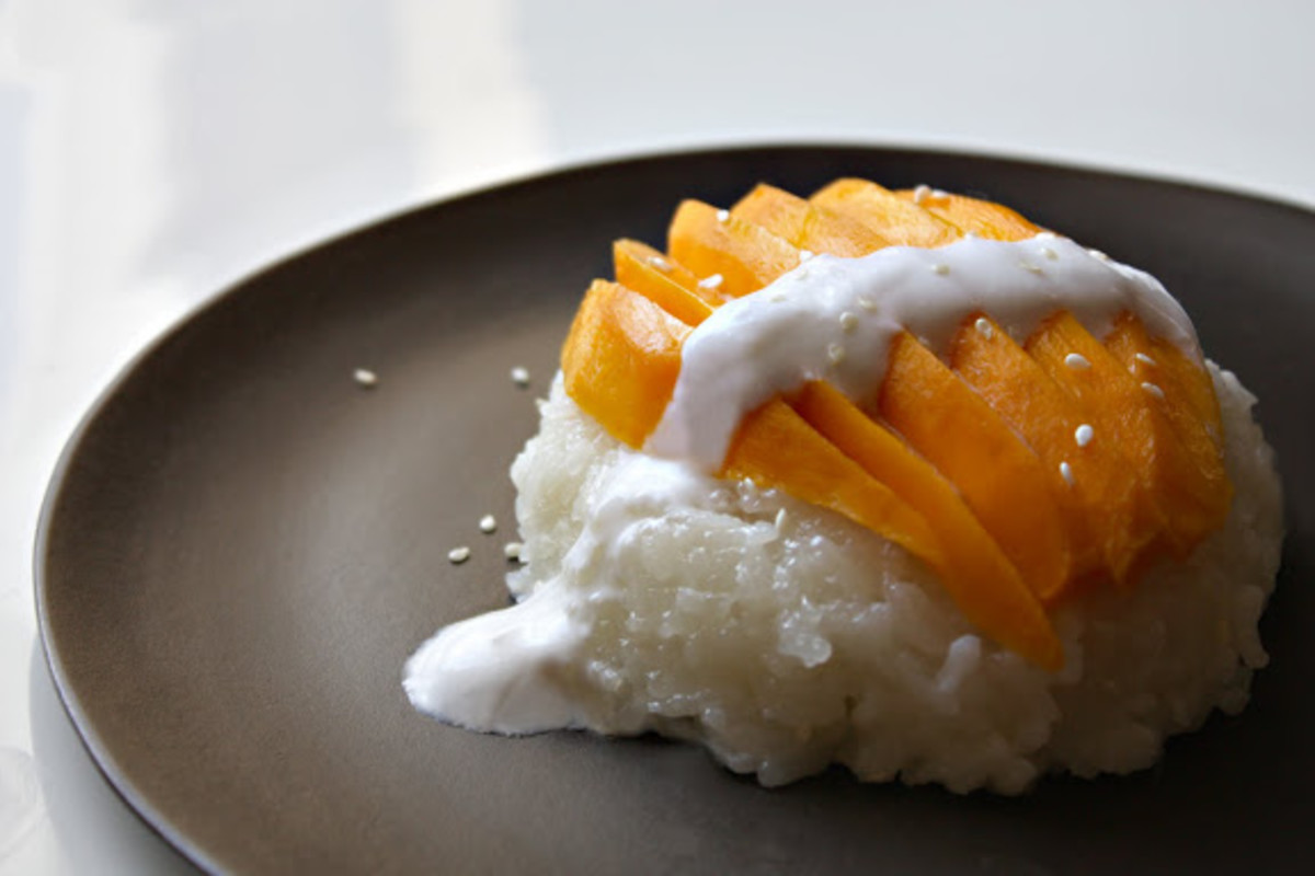 Delicious coconut sticky rice with mango!