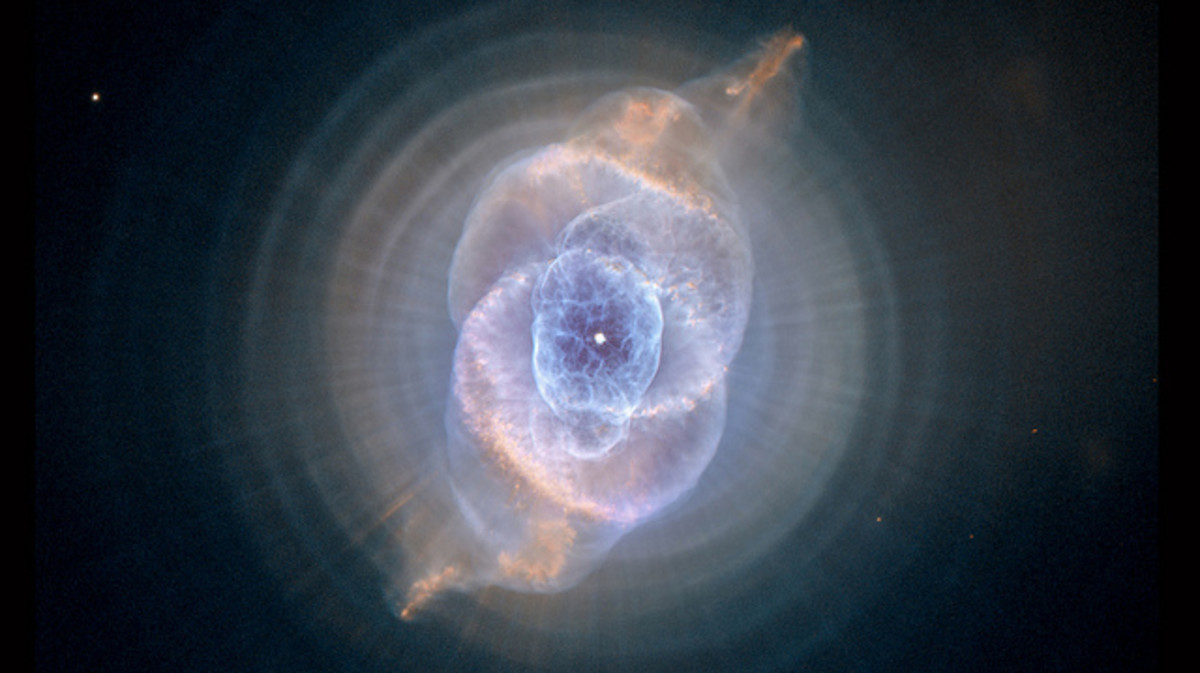 The Cat's Eye Nebula, one of the first planetary nebulae discovered, also has one of the most complex forms known to this kind of nebula