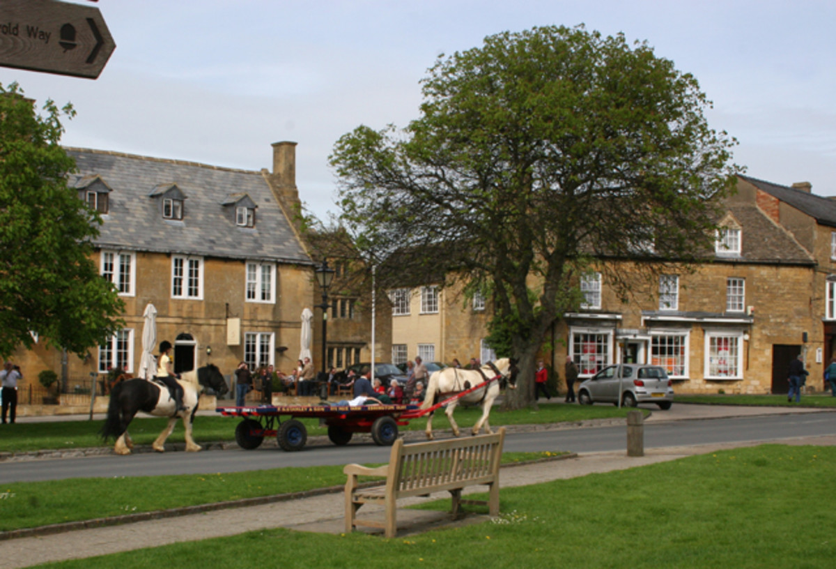 "Cotswold Village Life - geograph.org.uk - 783195"" by terry joyce. Licensed under CC BY-SA 2.0 via Wikimedia Commons"