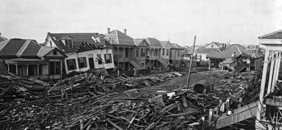 10 Worst Hurricanes in United States History