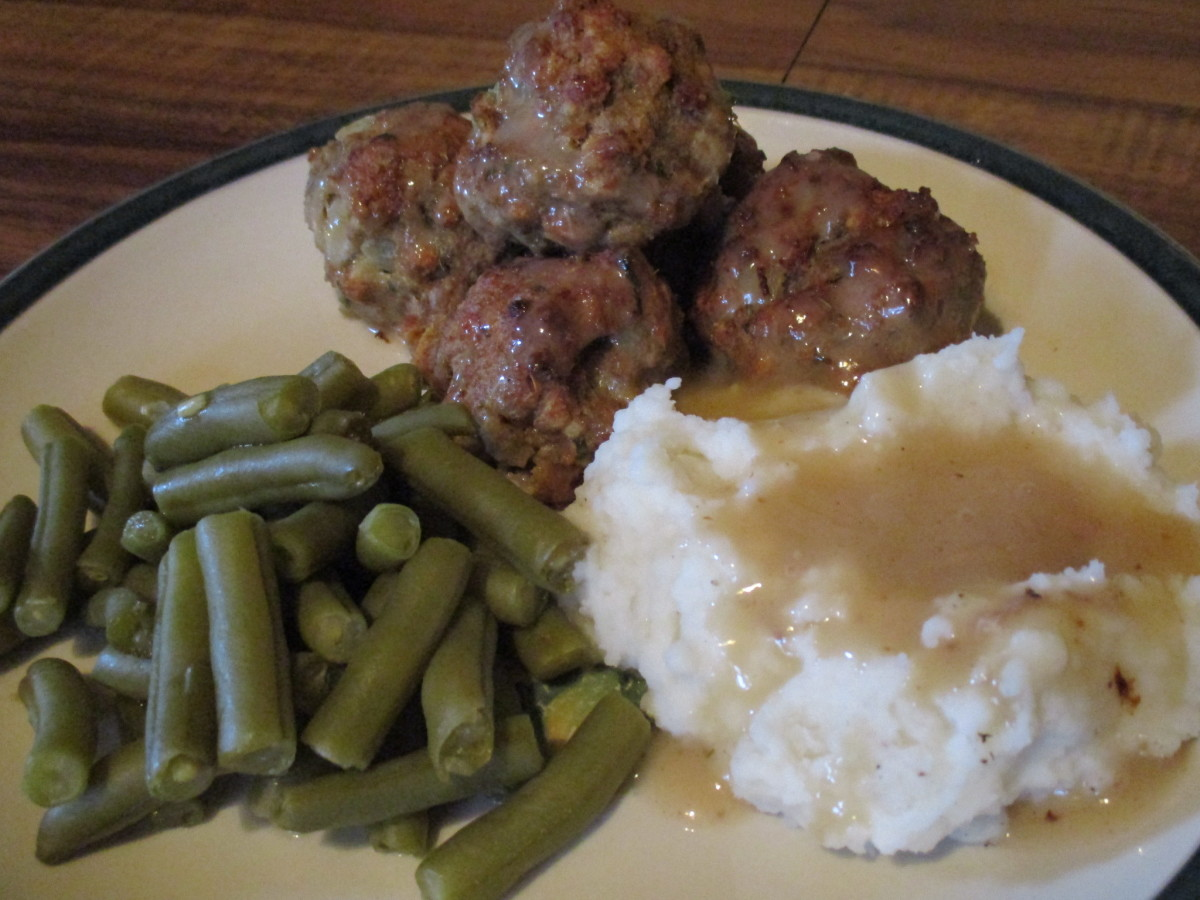 Mom's Cooking: Make Turkey Meatballs From Scratch