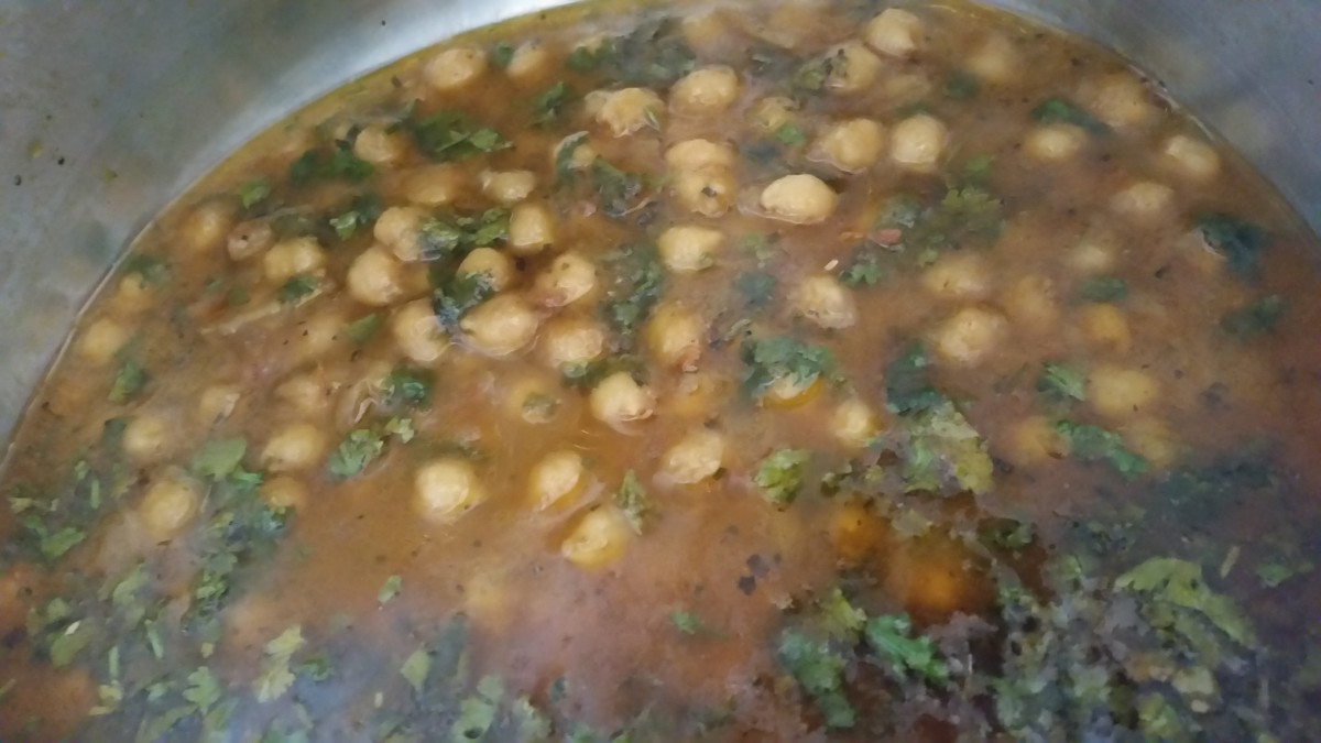 A Step-by-Step Guide for Making Lahori Choley (Chickpea Curry)