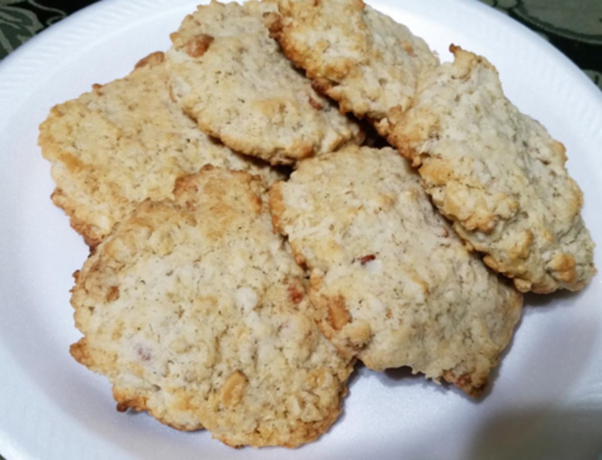 Perfect for Tea: Cashew Oatmeal Cookies