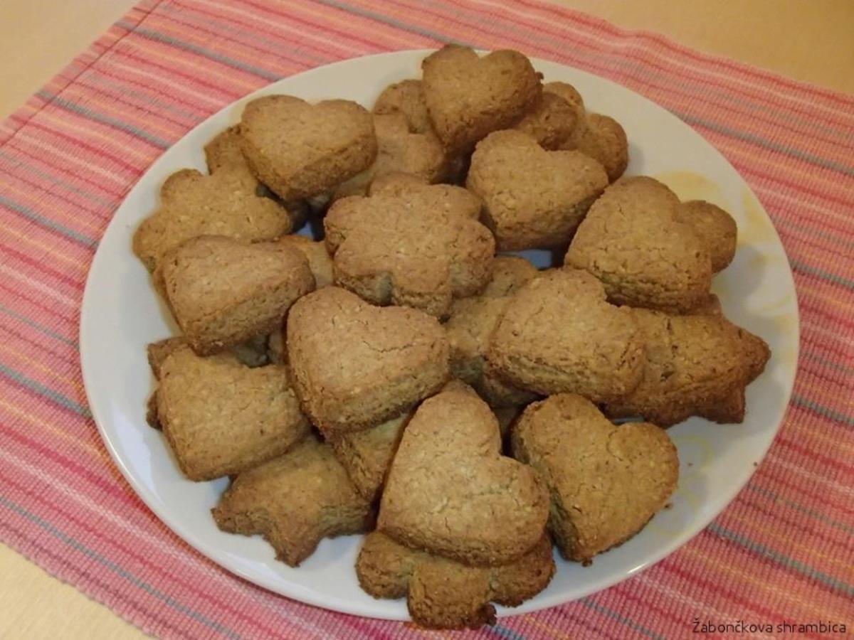 Simple Vegan Walnut Biscuits
