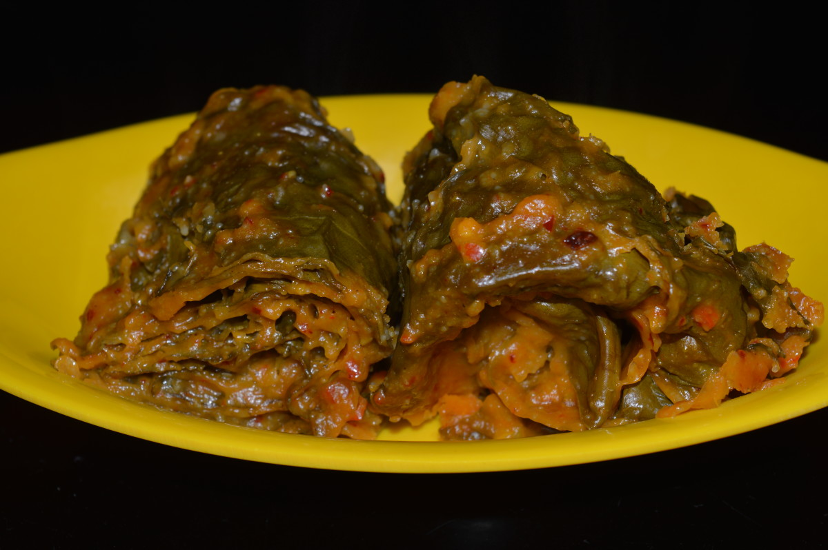 How to Make Spicy Colocasia Leaf Rolls (Patrode)