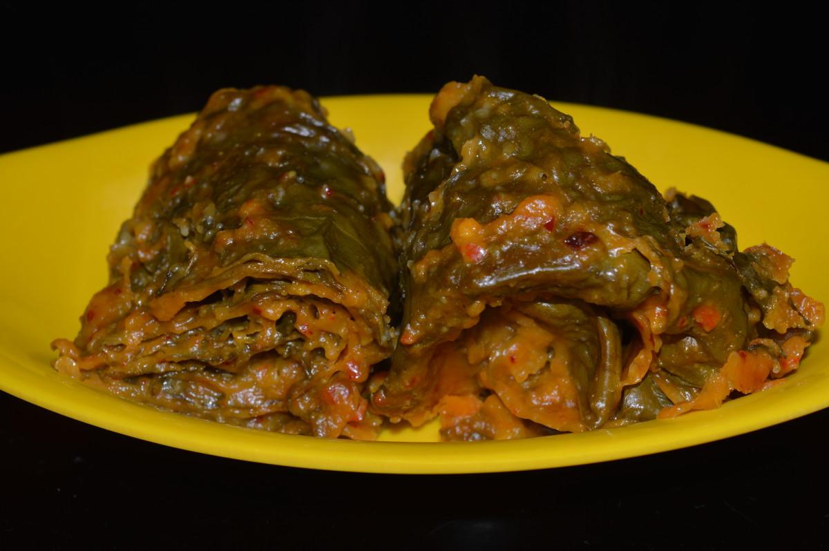 Healthy Snacks: Colocasia Leaf (Taro Leaf) Spicy Rolls Recipe