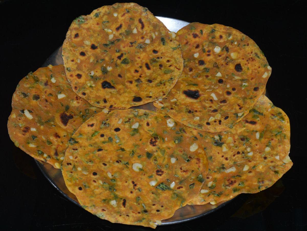 Garlic and Fenugreek Greens (Methi-Garlic Chapati) Pancakes