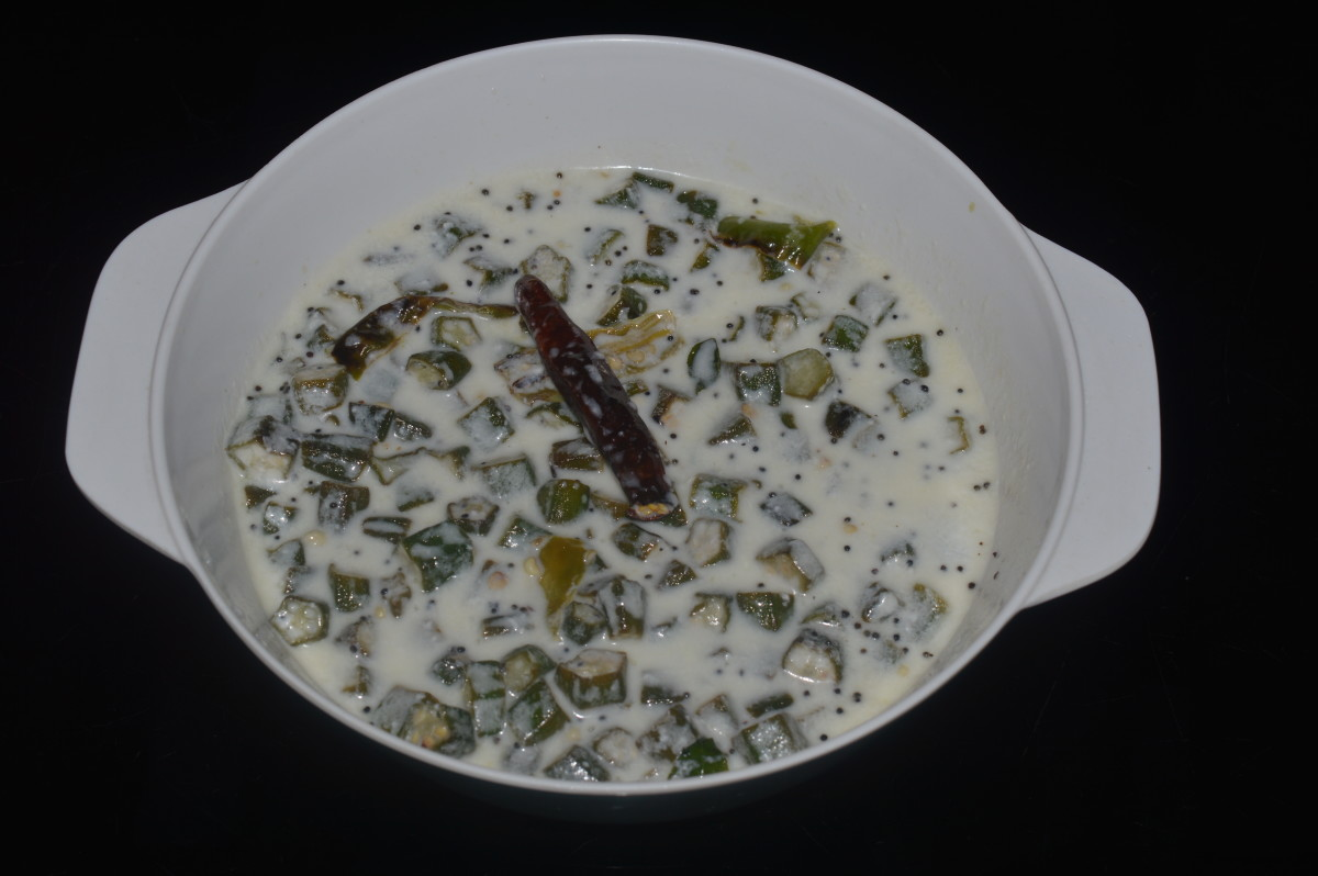 Making Okra Raita - a Curry With Yogurt