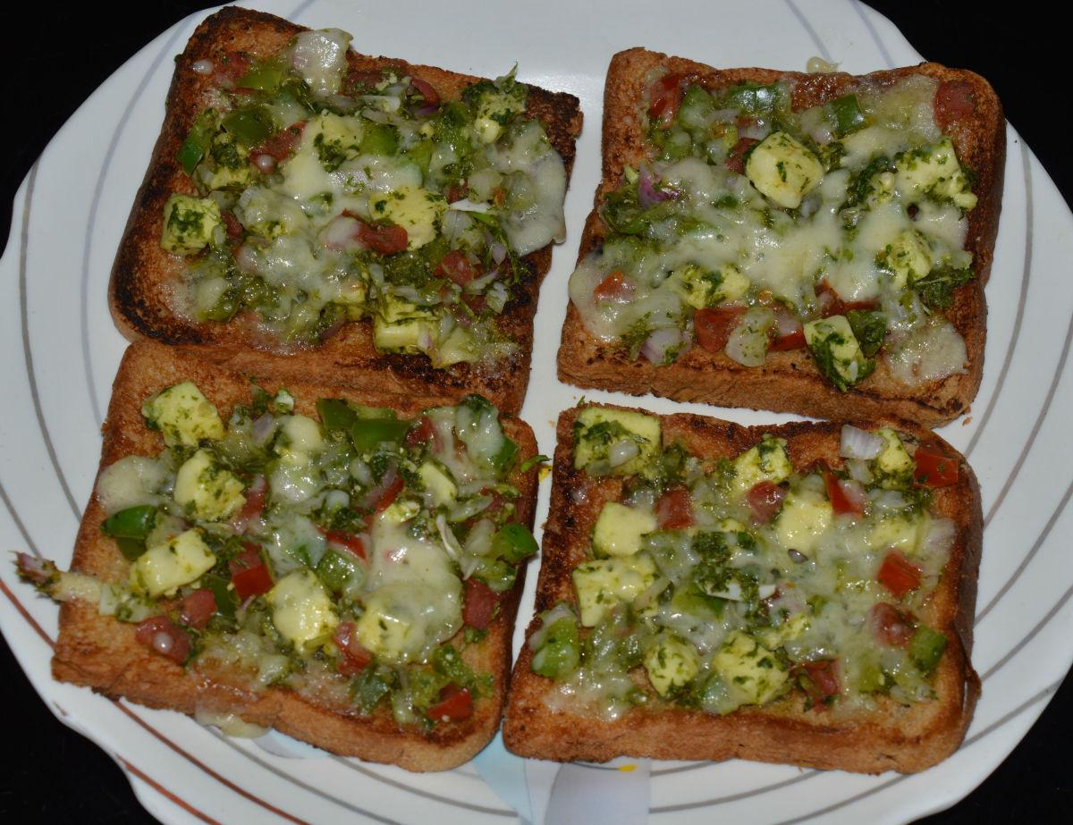 Healthy Snacks: Chutney Cheese Toast Recipe