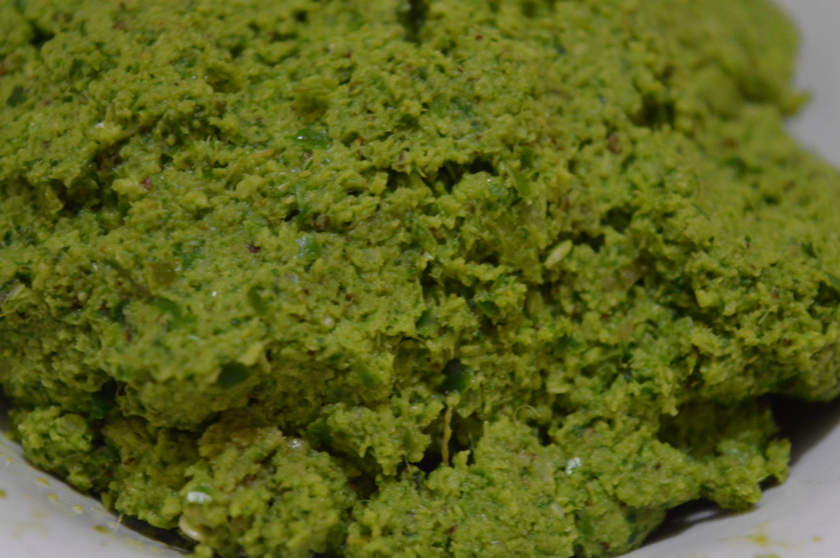 Hot and Spicy Coriander Leaf Chutney