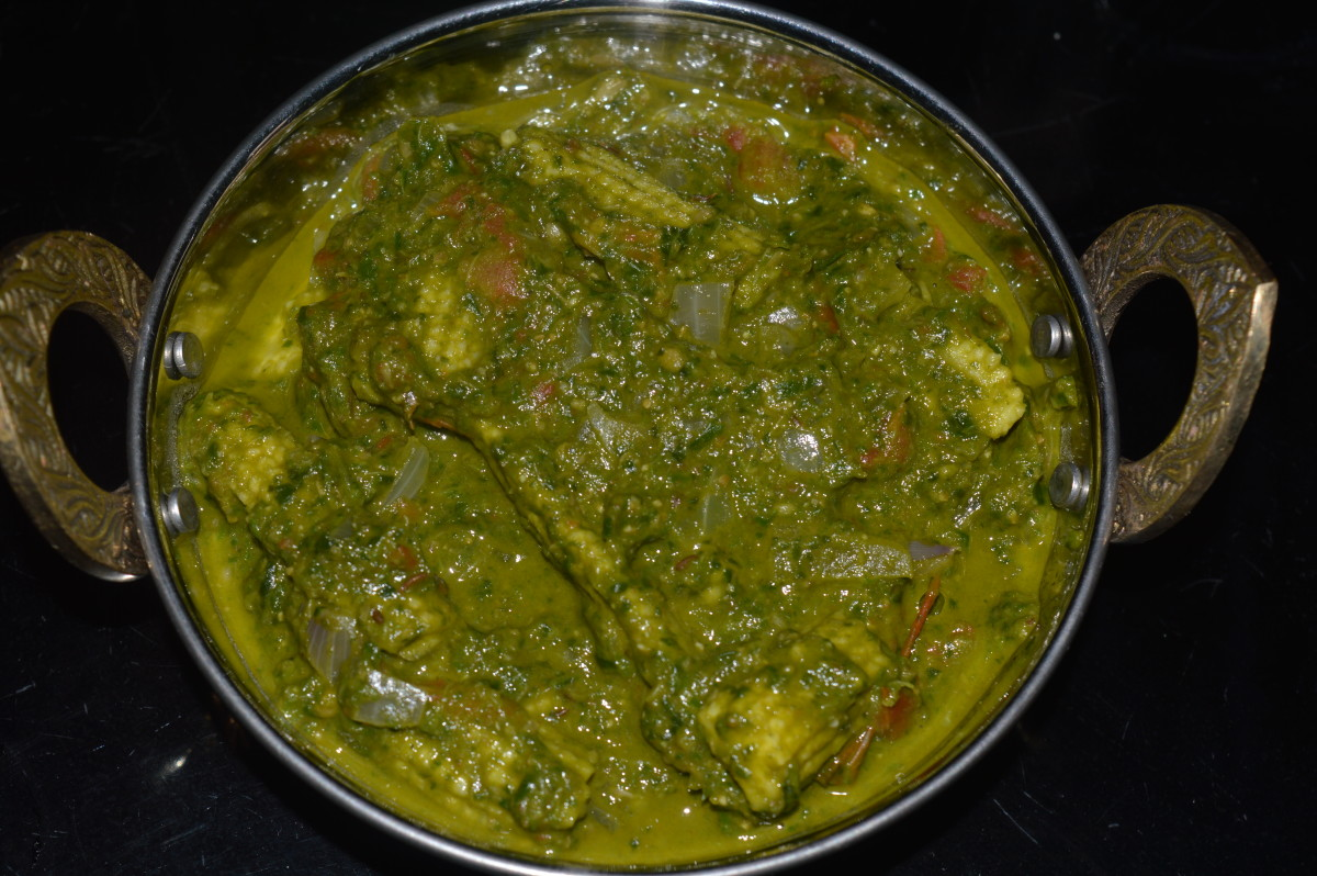 Baby corn and spinach curry.