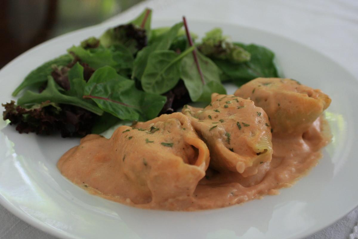 Chicken-Stuffed Shells With Tomato-Cream Sauce