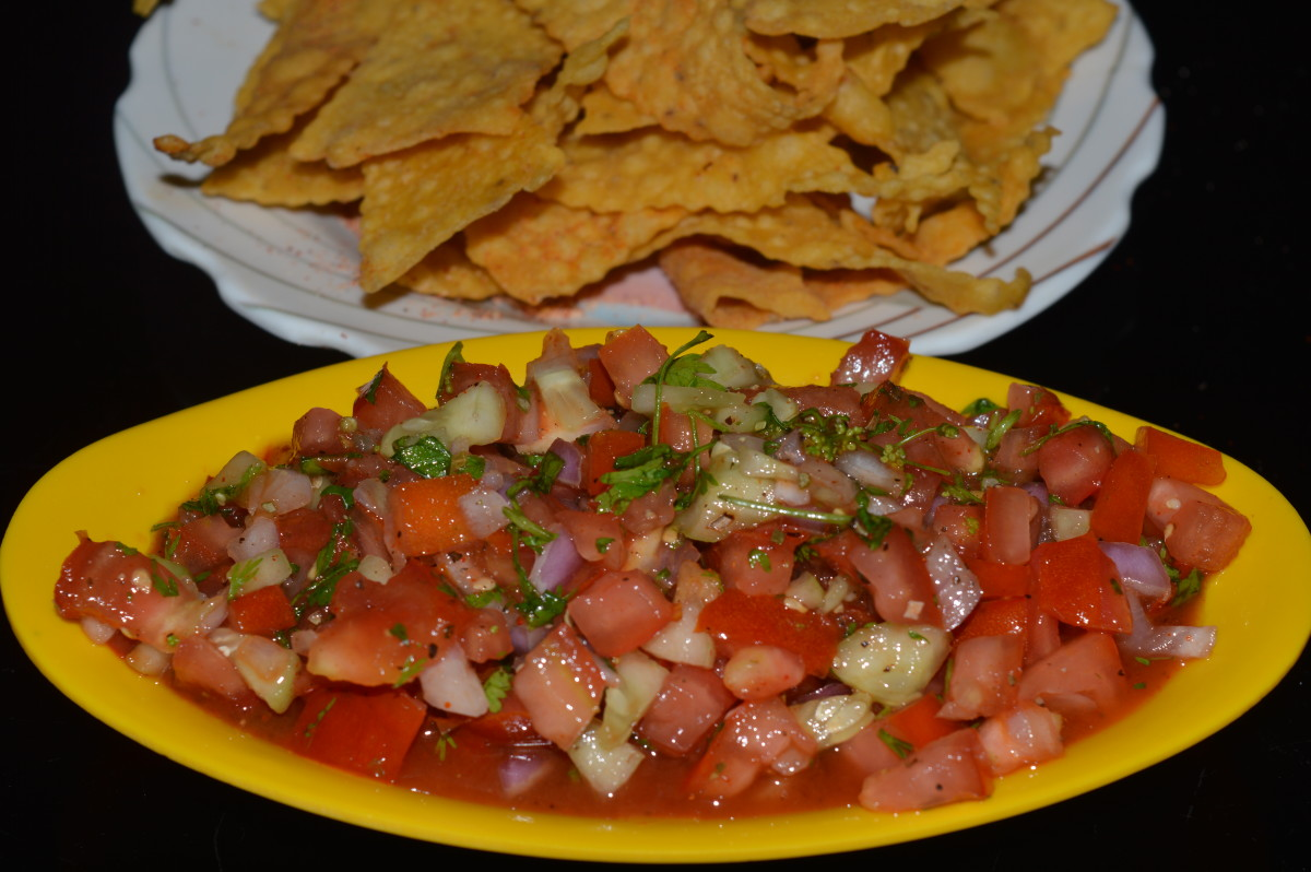 Fresh tomato-red onion salsa (Salsa fresca) with home made Nacho chips