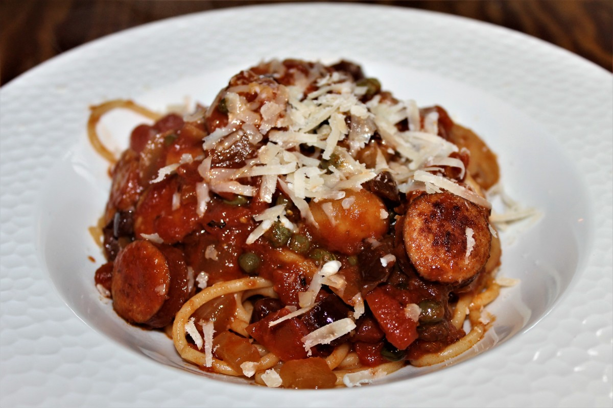 Invigorating Spaghetti Alla Puttanesca With Sausage