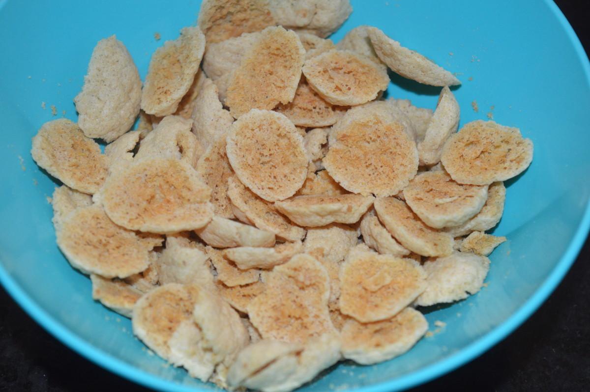 Sun-dried white pumpkin and lentil fritters (kumbalakai shandige)