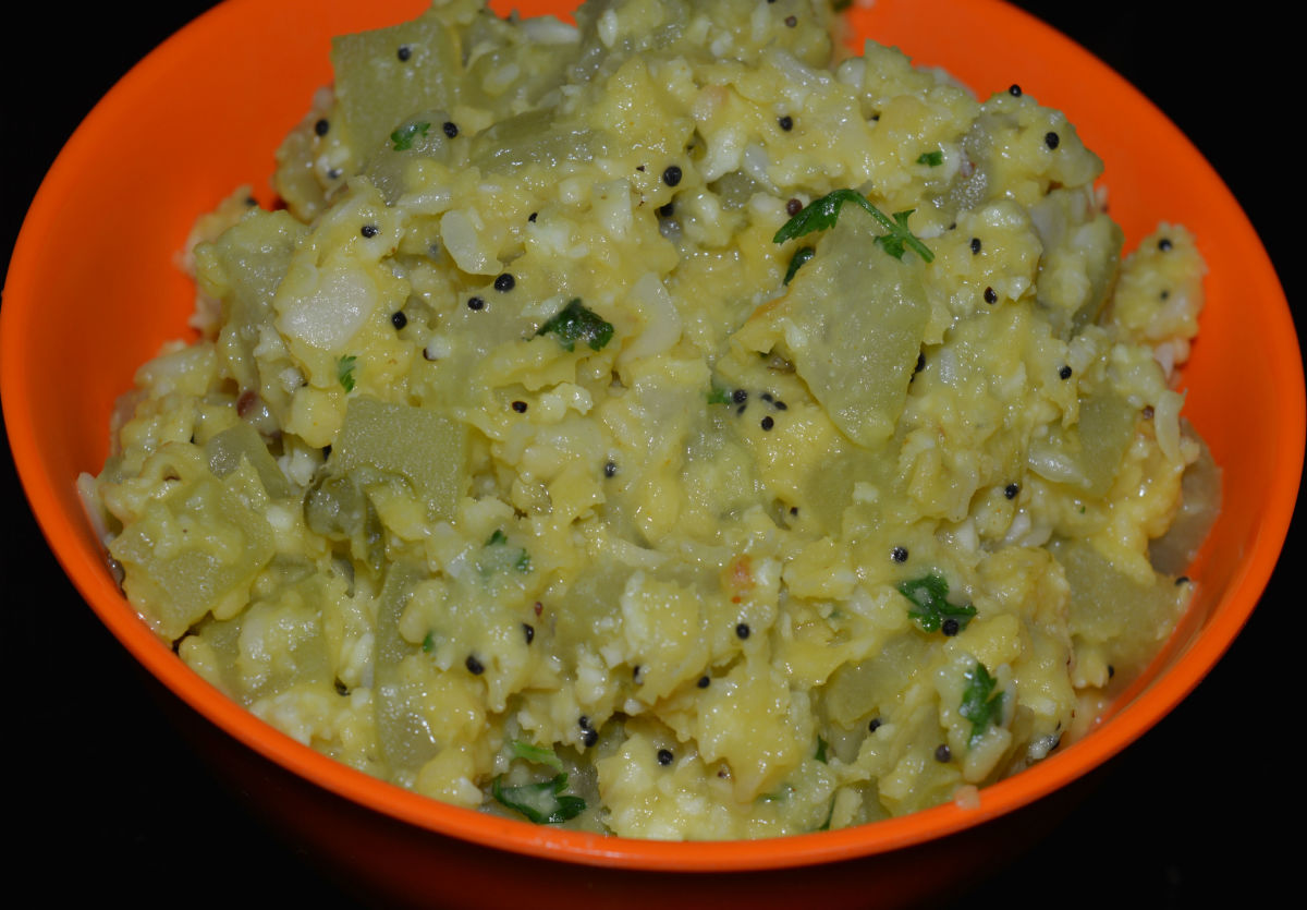 Bottle gourd and mung bean curry